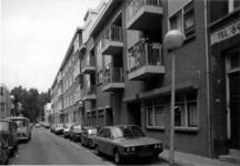 1986-411 Gezicht op de Anna Paulownastraat met op de achtergrond Diergaardesingel.
