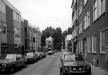 1986-412 Gezicht op de Anna Paulownastraat met op de achtergrond Diergaardesingel.