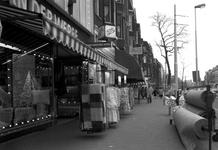 1986-978 Winkels in het Middellandplein. Op de achtergrond de Eerste Middellandstraat.