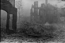 1987-749 Restanten van panden in de Teilingerstraat en Simonstraat , na het bombardement van 14 mei 1940.