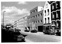 1988-1235 Gezicht in de Duivenvoordestraat met op de achtergrond het recreatiecentrum Oostervant. Gezien vanaf 1e ...