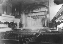 1988-3083 Theaterzaal van theater Casino Variété aan de Coolsingel.