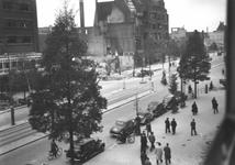 1988-86 De Coolsingel met uiterst links o.a. hotel Atlanta bij de Aert van Nesstraat, na het Duitse bombardement van 14 ...