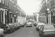1989-27 Gezicht op de Aelbrechtstraat, vanaf de Nieuwe Binnenweg.