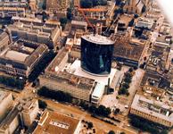 1989-4497 Overzicht van de Coolsingel en omgeving, met in het midden World Trade Center.