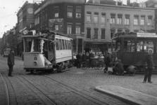 1990-1472 Tramongeluk op de hoek Goudsesingel - Jonker Fransstraat.