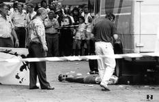 1990-2311 Dodelijke schietpartij., Op de Coolsingel heeft tijdens het Antilliaans Carnaval een dodelijke schietpartij ...
