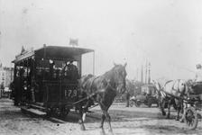 1991-1349 Paardentrams op de Koningsbrug aan de zijde van het Bolwerk.