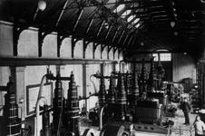 1991-3056 Machinekamer van het GEB aan de Schiehaven.