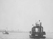 1991-907 Wagenveer op de Nieuwe Maas varende tussen Veerdam en Charlois.