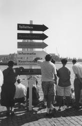 1992-176 Open Havendagen, Impressie van de aktiviteiten die aan de Boompjes plaatsvinden.