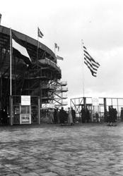 1992-197 De Olympiaweg bij de ingang van het Feyenoordstadion.