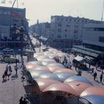 1992-3574 Het Binnenwegplein, gezien vanaf een gondel van de C '70-manifestatie.