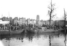 1992-3723 Gezicht op de melkmarkt aan de Coolsingel, daarachter panden aan de Coolvest.Op de achtergrond de toren van ...