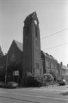 1992-4682 De Nassaukerk aan de Kleiweg op de hoek met de Graaf Adolf van Nassaulaan.