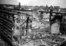 1992-582 Gezicht op de door het Duitse bombardement van 14 mei 1940 getroffen omgeving van de Meent. Als gevolg van dit ...