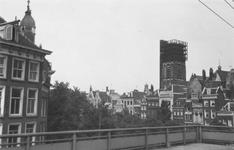 1992-71 Uitzicht vanaf het station Beurs op de Grotemarkt, met verderop de Sint-Laurenskerk in de steigers.