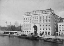 1993-1662 Gezicht op winkelgalerij de Passage aan de Coolvest met op de voorgrond de Coolsingel.