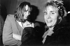 1993-3078 Radio Rijnmond interviewt Monique van der Ven tijdens het Film Festival Rotterdam.
