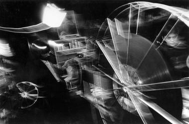 1993-3098 Operateur in bioscoop Lumiere tijdens het Film Festival Rotterdam.