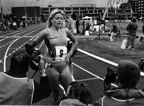 1993-3374 Ellen van Langen na haar race tijdens atletiek-kampioenschappen voor de Europacup op de Nenijto.