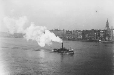 1993-3471 De Nieuwe Maas met in het midden sleepbootje de Charlois en op de achtergrond de Boompjes.