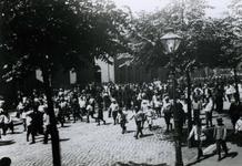 1993-3497 Mariniers op weg naar het Oostplein.