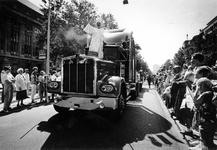 1993-3548 Optocht van het 'American Circus' over de Coolsingel en door het centrum van de stad.
