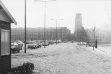 1993-5344,-5345 Zicht vanaf de met sneeuw bedekte Noordmolenwerf.Van boven naar beneden afgebeeld:- 5344: In de ...