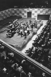 1993-6442-EN-6443 Het Israëlische KamerorkestVan boven naar beneden afgebeeld:-6442: Het Israëlische Kamerorkest ...