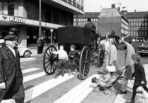 1993-6462 Op het Doelwater, uit westelijke richting gezien. Op de achtergrond het hoofdbureau van Politie.