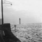 1993-650 Een combinatie van zeer zware storm en springvloed veroorzaakt een watersnoodramp in Zeeland en delen van ...