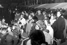 1993-6502-EN-6503 KerstmarktVan boven naar beneden afgebeeld:-6502: Kerstmarkt in de Gaffeldwarsstraat.-6503: Idem.