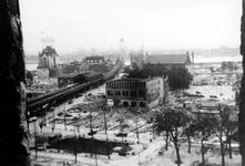 1993-6621 De door het Duitse bombardement van 14 mei 1940 getroffen omgeving van de Grotemarkt, Westnieuwland uit ...