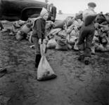 1993-696 Een combinatie van zeer zware storm en springvloed veroorzaakt een watersnoodramp in Zeeland en delen van ...