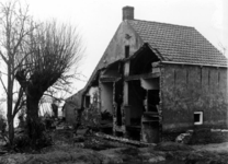 1993-785 Een combinatie van zeer zware storm en springvloed veroorzaakt een watersnoodramp in Zeeland en delen van ...
