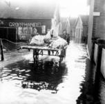 1993-843 Een combinatie van zeer zware storm en springvloed veroorzaakt een watersnoodramp in Zeeland en delen van ...