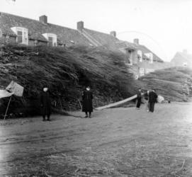 1993-851 Een combinatie van zeer zware storm en springvloed veroorzaakt een watersnoodramp in Zeeland en delen van ...