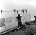 1993-912 Een combinatie van zeer zware storm en springvloed veroorzaakt een watersnoodramp in Zeeland en delen van ...