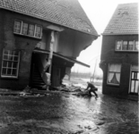 1993-945 Een combinatie van zeer zware storm en springvloed veroorzaakt een watersnoodramp in Zeeland en delen van ...
