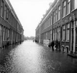 1993-952 Een combinatie van zeer zware storm en springvloed veroorzaakt een watersnoodramp in Zeeland en delen van ...