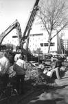 1994-1552-TM-1557 Reportage over het verwijderen van bomen aan de Coolsingel in verband met de aanleg van de ...