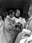 1994-1789 Inwijding van A. van Luyn tot bisschop van Rotterdam in de kerk van de Heilige Laurentius en Elisabeth.