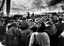 1994-2116 Demonstraties van parachutisten van het Korps Mariniers tijdens de Wereldhavendagen.