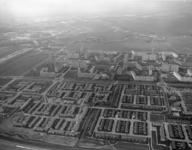 1996-1360 Overzicht van de wijk Ommoord. Op de achtergrond de Rotte.