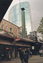1996-2535-TM-2539 Gezicht op de Beurstraverse onder het Beursplein, Coolsingel en Van Oldebarneveltplaats.Ook wel ' ...