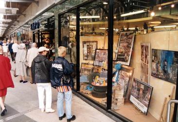 1996-2540-TM-2543 Gezicht op de Beurstraverse onder het Beursplein, Coolsingel en Van Oldebarneveltplaats.Ook wel ' ...