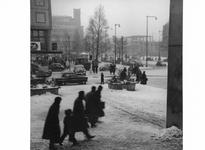1997-971 Gezicht op het Beursplein en rechts de Coolsingel.