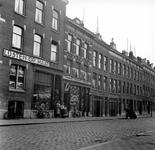 1998-1083 De Rembrandtstraat gezien vanuit het noorden.