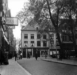 1998-1099 De Nieuwe Markt met de Halstraat. Links de Korte Pannekoekstraat.